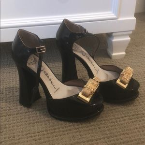 Jeffrey Campbell Black Pumps with Gold Bow